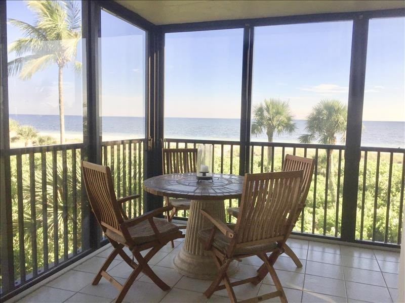 Enjoy your breakfast or cocktails on the gulf view lanai.