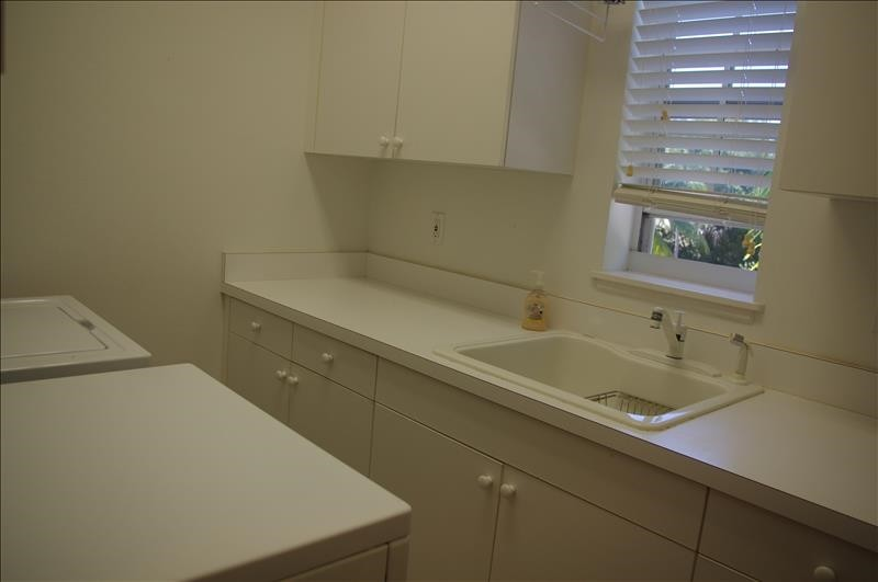 Fully-equipped laundry room