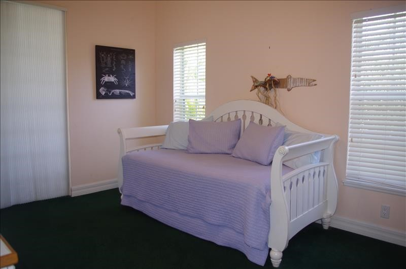 Twin trundle bed; deck access