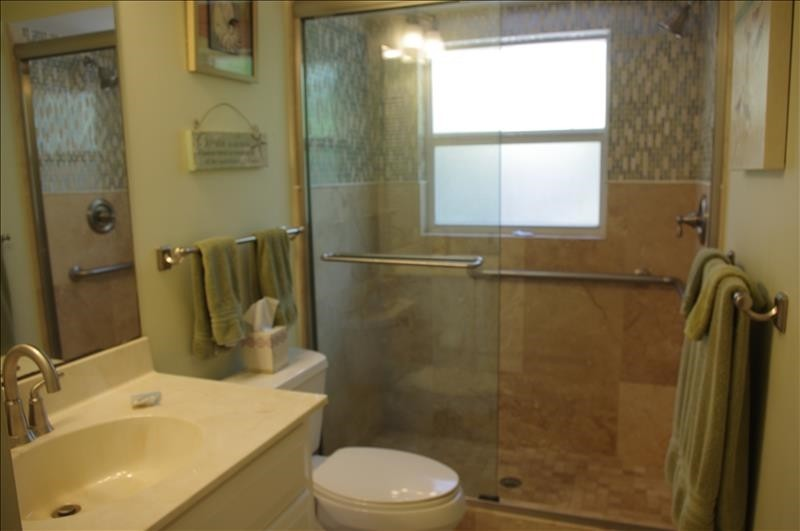 Beautiful inlaid tile shower
