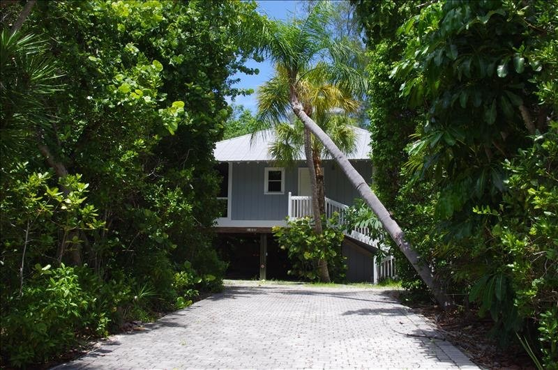 Nestled away, walking distance to the beach.