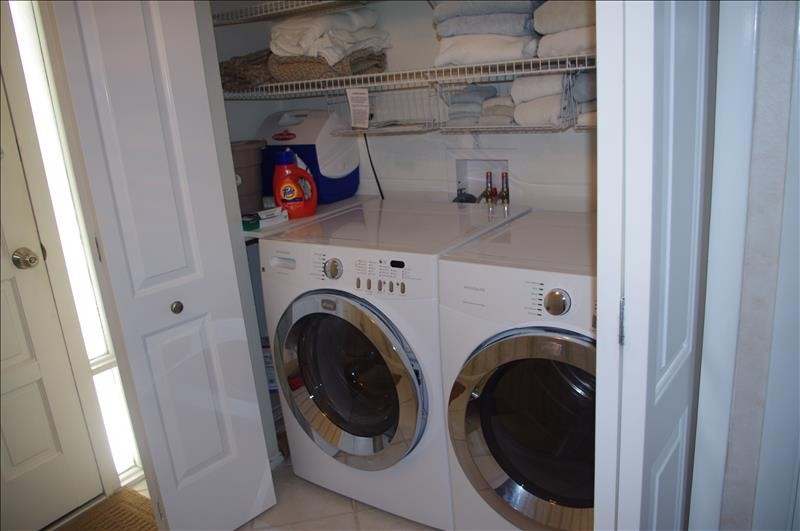 Laundry detergent is provided for your use.