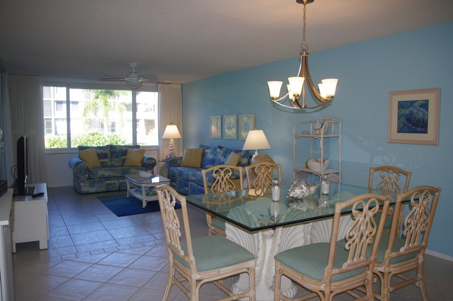 The all-tile living and dining areas are spacious.